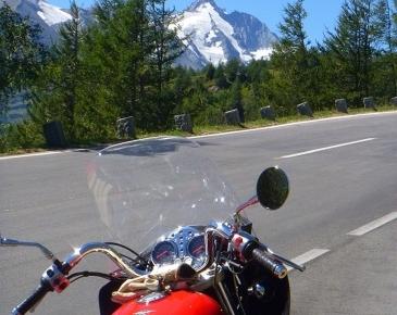 Moto Guzzi V7-2011_8